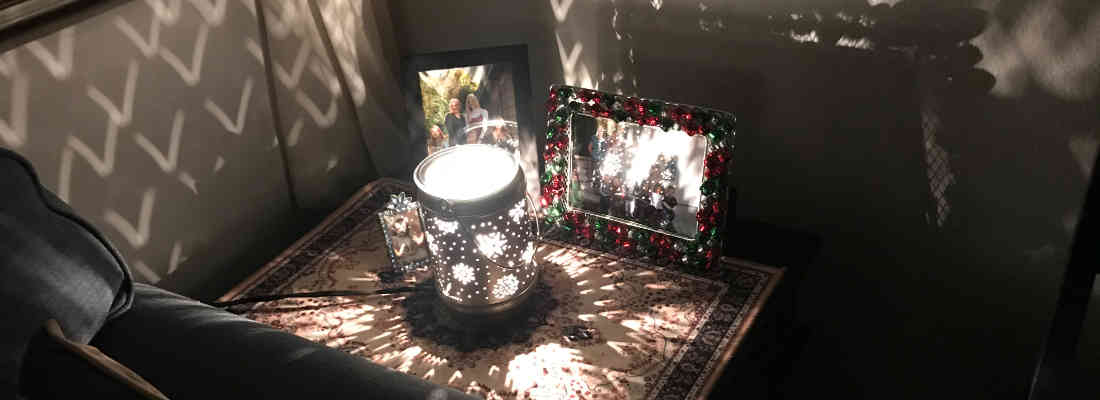 Scentsy Candle Warmer Reflects Light off Walls